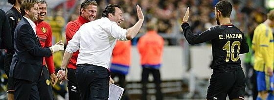 Belgiens Nationaltrainer Marc Wilmots und Eden Hazard (re.)