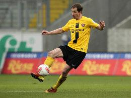 David Solga im Dress von Dynamo Dresden