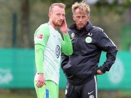 Trainer Andries Jonker mit Maximilian Arnold