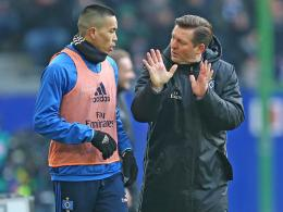 Bobby Wood und Hamburgs Trainer Christian Titz.