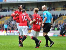 Valencia, Rooney, Scholes und der Referee in Wolverhampton