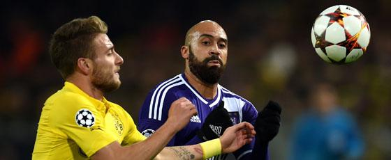 Ciro Immobile gegen Anthony Vanden Borre
