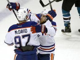 Connor McDavid, Leon Draisaitl (re.)