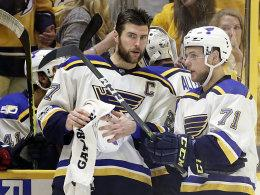 Alex Pietrangelo, Vladimir Sobotka (re.)